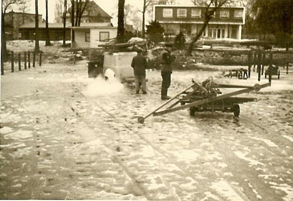 Rammarbeiten auf dem Eis an der Scharfen Lanke 1964