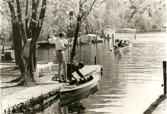 Unsere Kunden beim Wassersport 1951