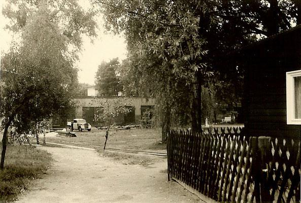Blick auf die Bootshallen 1958
