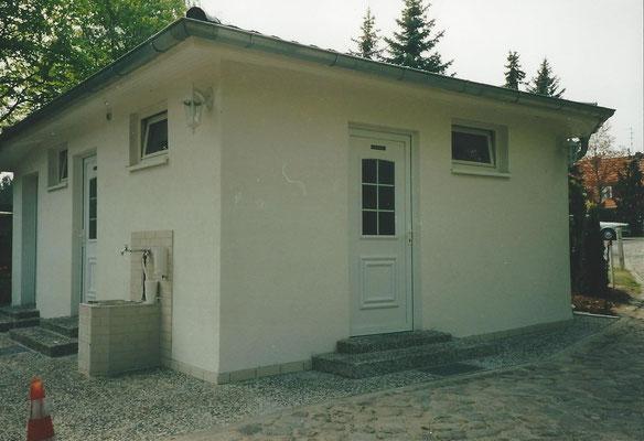 Saniertes Sanitärgebäude  2002