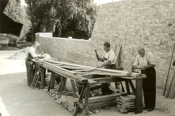 Die Brettbinder werden zusammengebaut