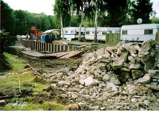 Sommer 2004 - Der Beton wird abgerissen und entsorgt