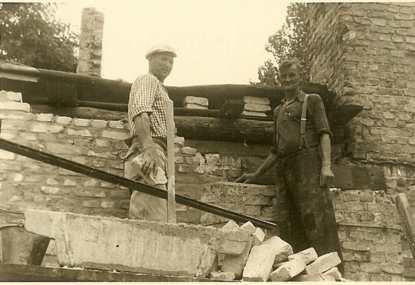 Bau der Bootshallen