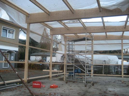 November 2007 - Die Holzkonstruktion wird erstellt