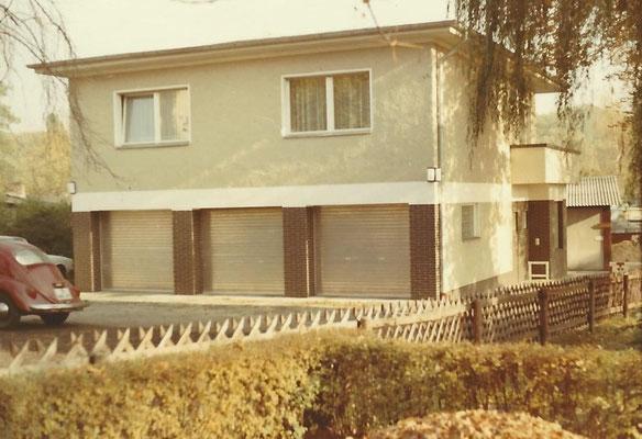 1968/69 - Westansicht des neuen Wohnhauses am Pichelssee