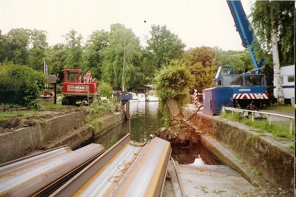 Sommer 2004 - Firma Mette beginnt mit dem Abriß der alten Sliprampe