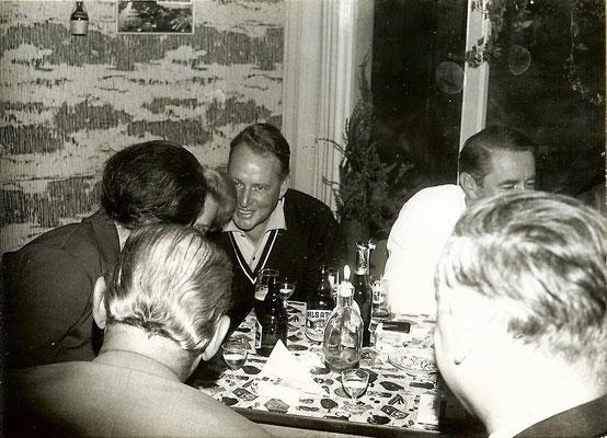 1963 - Günter Angermann in unserer Kantine (tagsüber an der Tankstelle bedient, abends selbst getankt)