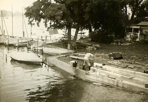 Bauarbeiten an der neuen Uferbefestigung an der Scharfen Lanke 1966