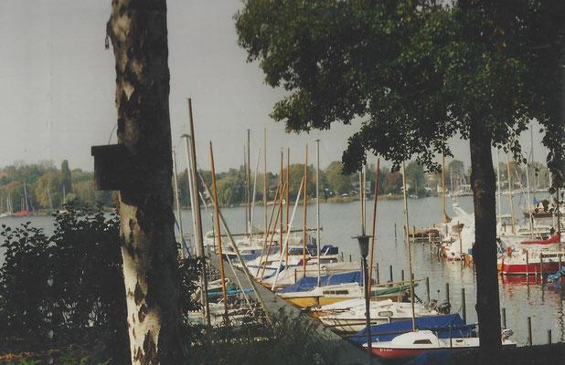 Blick auf den Hafen an der Scharfen Lanke