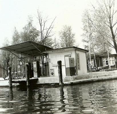 Shell Tankstelle vom Havelkanal aus 1963
