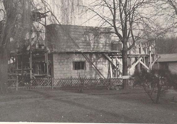 1968 - Das neue Wohnhaus nimmt form an