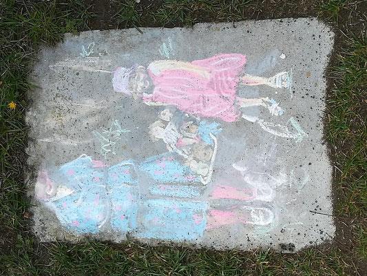 Ellen Wolf (RUFA), 2019 - gessetti colorati su cemento; ph. di Maila Buglioni