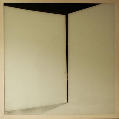 Minotauro, 2001; vetro smaltato e cenere; cm72x72