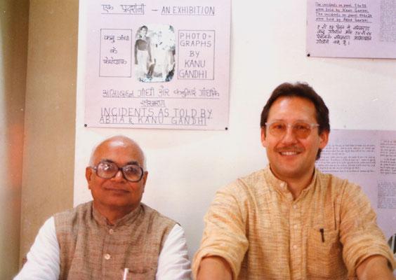 With the secretary of the Gandhi Ashram, Amrutbhai Modi, Ahmedabad, 1991.