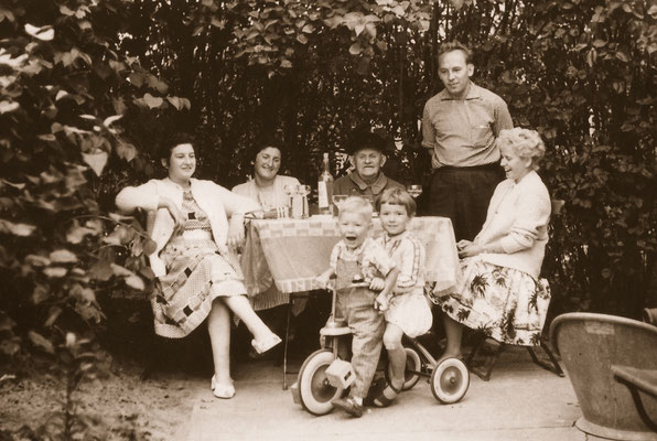 With father, mother (left), other relatives and great cousin Erika, 1959.