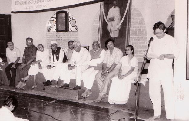 During the award ceremony for life achievements from the Gujarati Writer's Association at Rashtriyashala, Rajkot, 1993.
