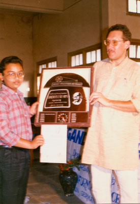 With the winner of the first drawing competition, Siddharth Gondhia, at KVKV, Rajkot, 1991.