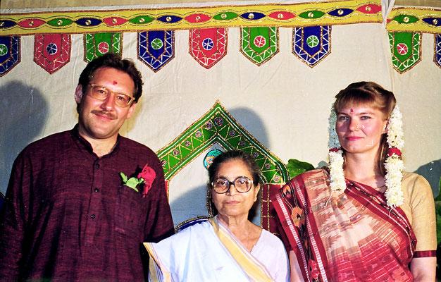 The newly wed couple posing with Abhabehn Gandhi during a reception at Rashtriyashala Ashram, Rajkot, Gujarat, 1994.