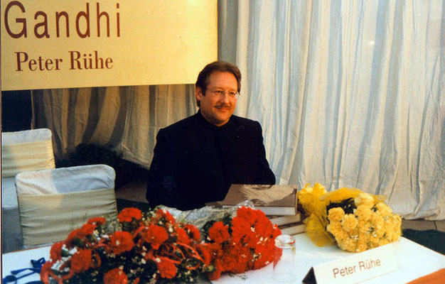 "Peter Rühe during the release of his photo biography ""Gandhi"" at the India International Centre, Delhi, 28 January 2002"