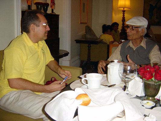 Peter Rühe talking with oral historian and journalist, Hiro Shroff, at Mumbai, 2005
