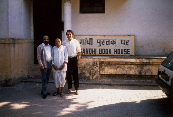 With Prabhudasbhai Gandhi and N. Vasudevan, the manager of Gandhi Book House, New Delhi, 1989.