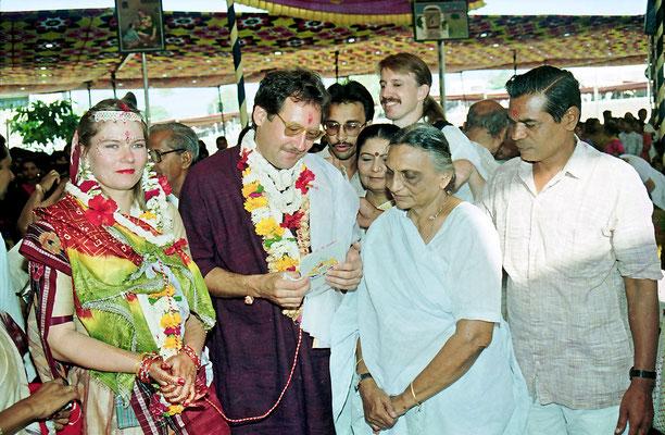 Receiving the blessings from veteran freedom fighters after the wedding ceremony during the Sarvodaya Sammelan, Savarkundla, Gujarat, 1994.