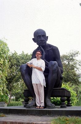 In front of the Gandhi statue in New Delhi, 1986.
