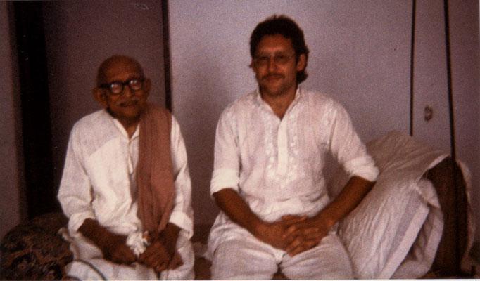 With mentor and friend Prabhudasbhai Gandhi, Rajkot, 1986.