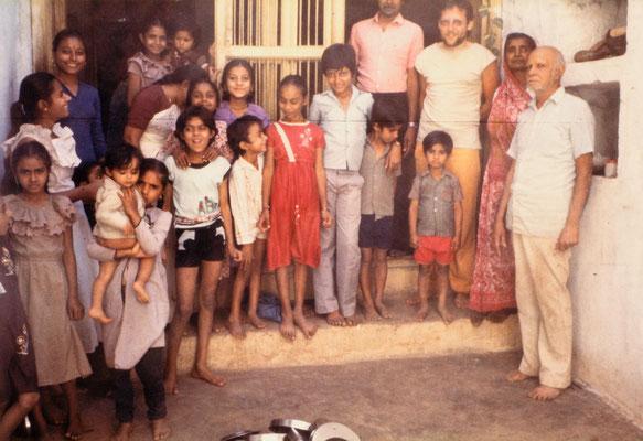 With the family of an ashram worker, Gandhi Ashram, Ahmedabad, 1986.
