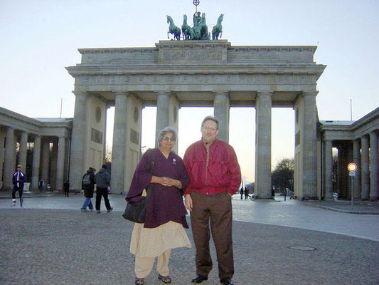 Ela Gandhi and Peter Rühe in front of Brandenburg Gate, Berlin, 2004