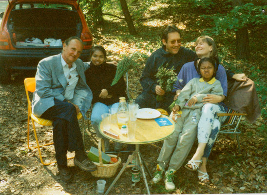 With fiancee Susanne, Dr. Karl-Heinz Leidreiter and his family, Berlin, 1993.
