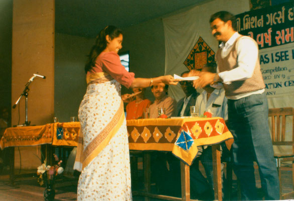 """During the prize distribution of the 3rd drawing competition """"Mahatma Gandhi - As I see him"""" in Amreli, Gujarat, 1993."""