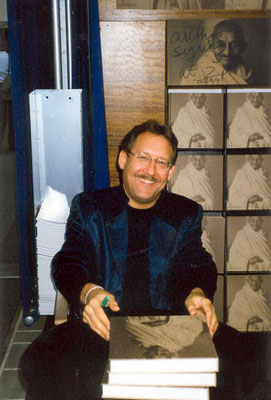 Peter Rühe signing his photo biography GANDHI during Frankfurt Book Fair, 2001