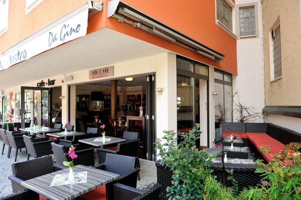 Elegante cafetería terraza