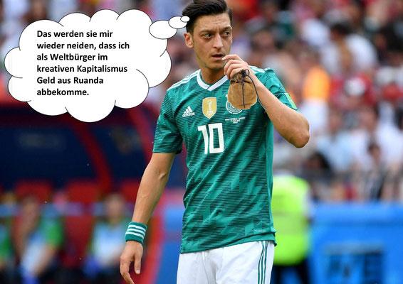 Mesut Özil, Fußballer