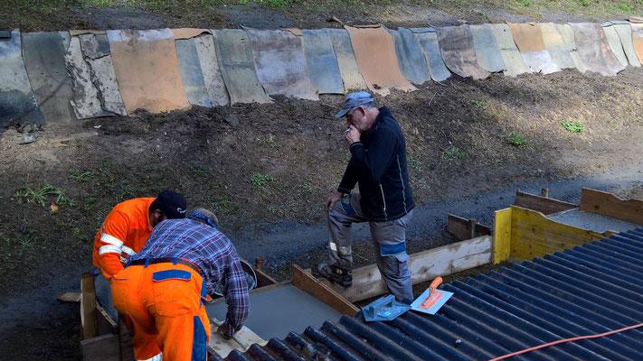 19.04.2016 Betonieren der Fundamente