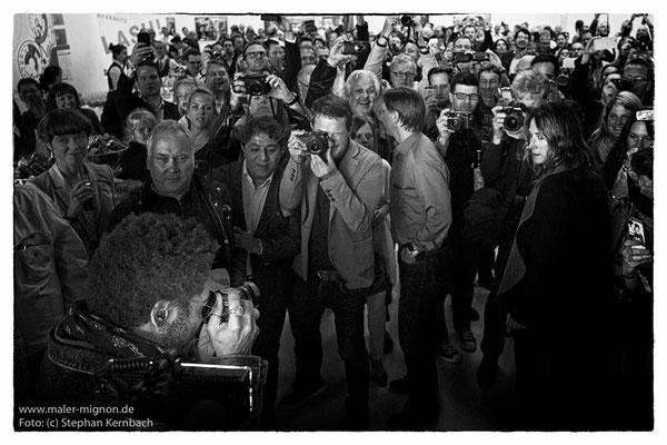 Lenny Kravitz zu seiner Fotoausstellung bei Leica in Wetzlar