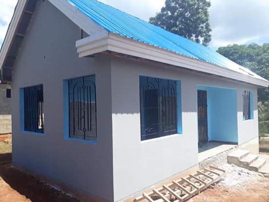 Ein von vier der ehemaligen Maurerlehrlinge vom Jahrgang 2013 gemeinsam erbautes Haus.