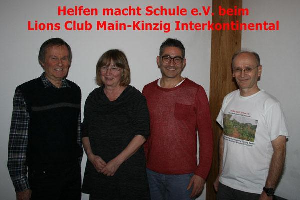 Winfried Sommer, Anna Maria Dörr (pensionierte Schulleiterin der Kopernikusschule Freigericht), Marcello Fend (Präsident des Lions Clubs) und Dr. Michael Bauer bei der Veranstaltung.