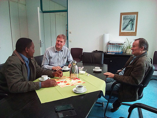 Together with Mr. Sommer and Dr. Bauer they discussed the developement of education and  improvements of the partnerschools in Tanzania and Germany.