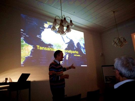 Winfried Sommer unterhielt die Gäste mit interessanten, informativen Geschichten und  tollen Bildmaterial.