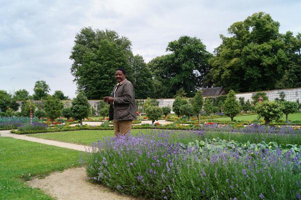 Im Klostergarten von Seligenstadt.