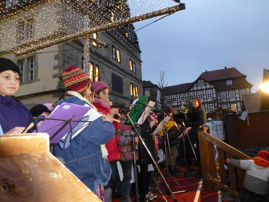Auftritt Weihnachtsmarkt Niels-Stensen Grundschule Hameln