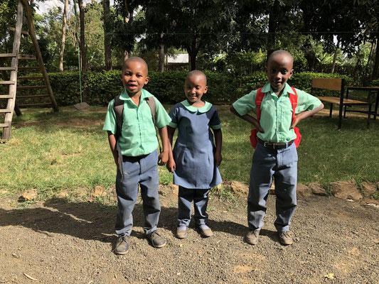 Uniform ist Pflicht, auch in Privatschulen