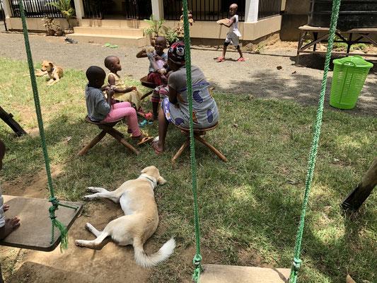 Friedliches Zusammensein, Kinder & Hunde