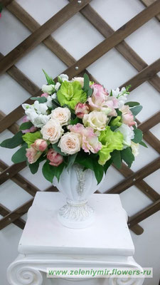 купить цветы в коробке миллерово