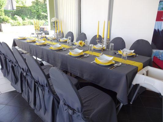 """Tischdecke und Stuhlhusse """"Klassisch"""" anthrazit"""