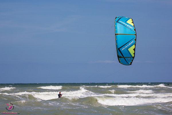 Kitesurfen in Warnemünde Deutschland