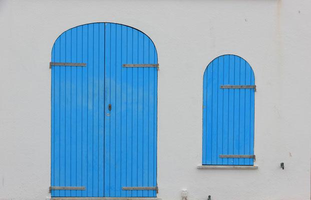 Traditionelle FEnsterläden auf Sardinien