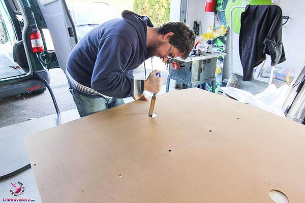 VW T5 Bus Ausbau Möbelbau - Beifahrerseite Möbelbefestigung Karrosserie